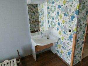 洗面台も備え付けられていますので身支度も周りを気にせず行えます。(ガーデンテラス白尾台)