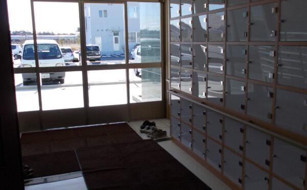 広々した玄関、靴箱があります