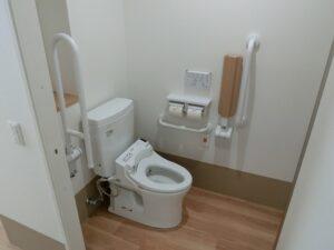 全個室トイレ付でプライバシーにも配慮されています。(マ・メゾン三島エスプリーブル)