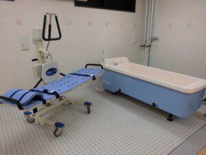 介護状態に合わせた機械浴もできます。(ベストライフ沼津Ⅱ)