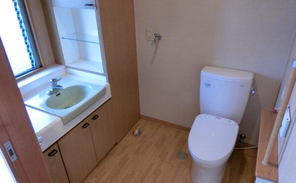 各居室にトイレ・洗面備え付けです。